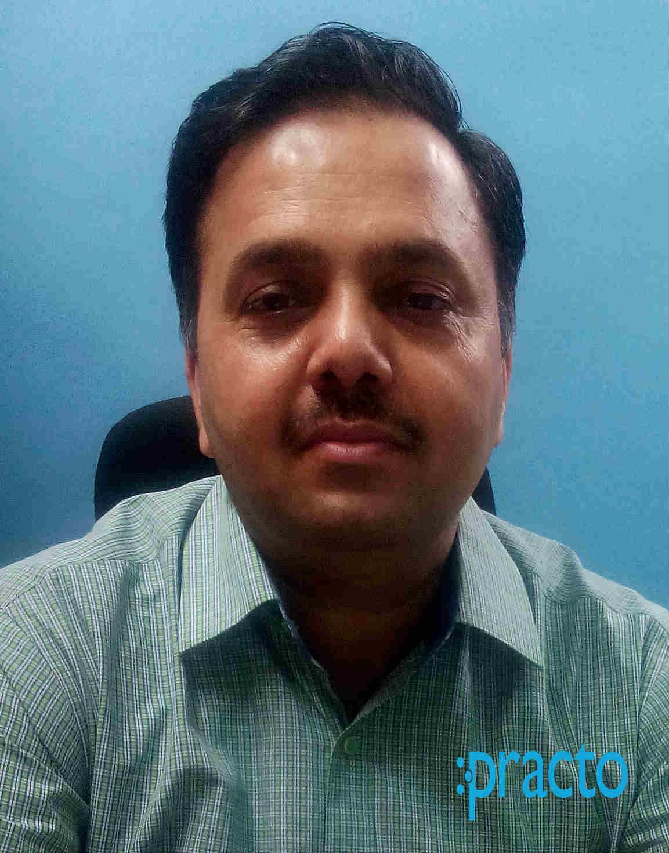 Dr. Navneet Kapur - Dentist