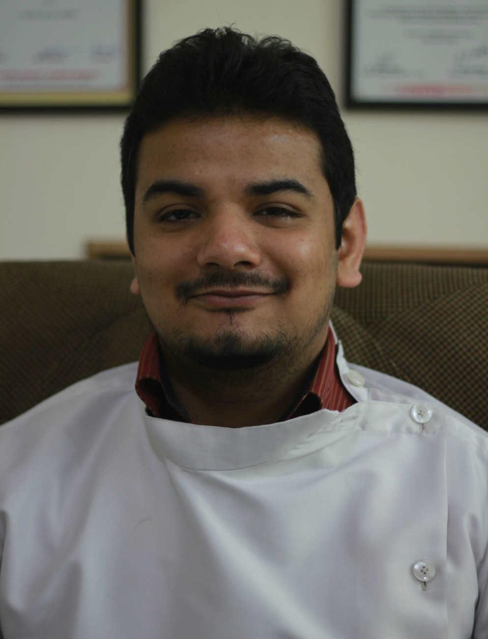 Dr. Akhil K Garg - Dentist