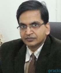 Dr. Sanjeev Kumar Singhal - Orthopedist