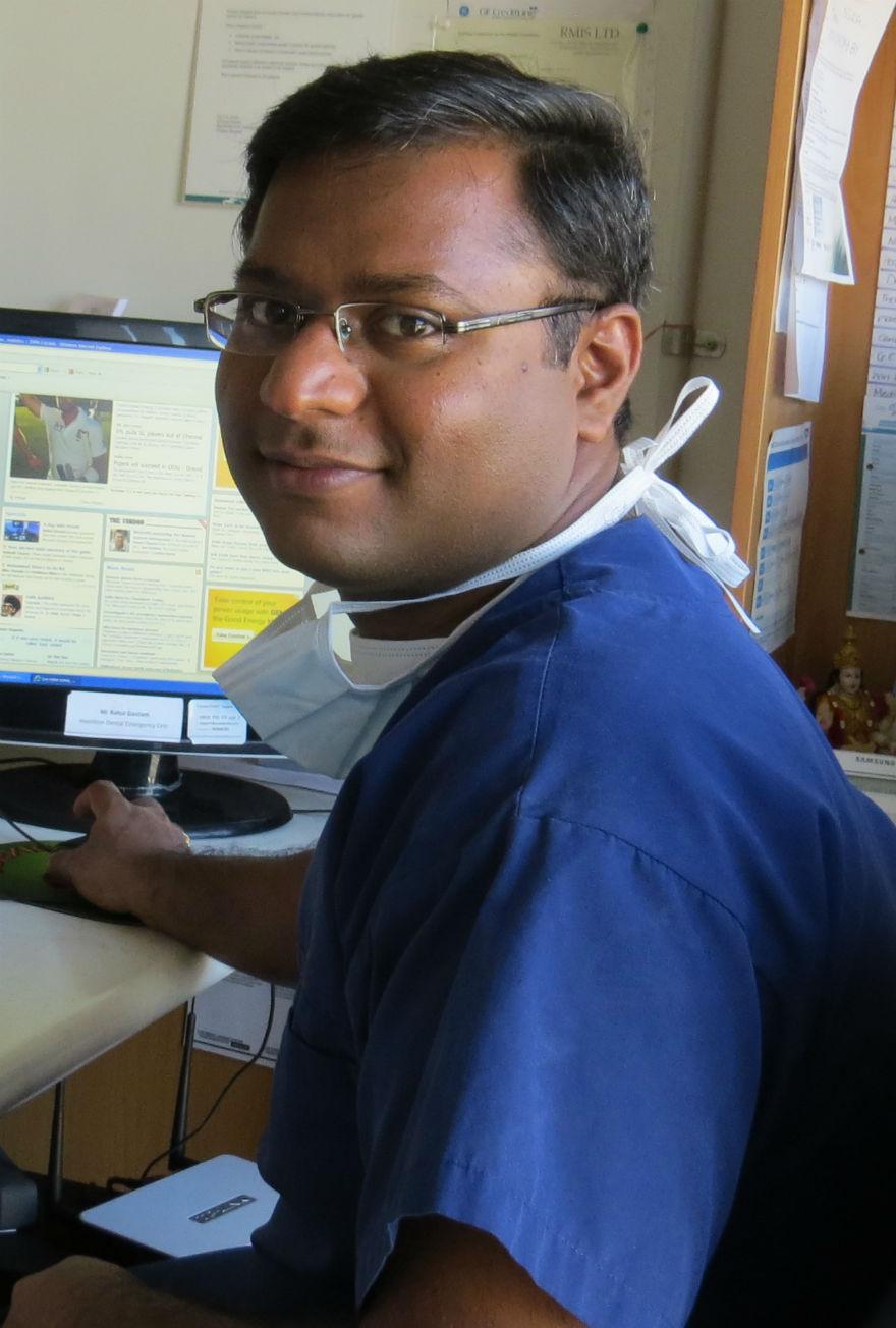 Dr. Vijay karthik - Dentist