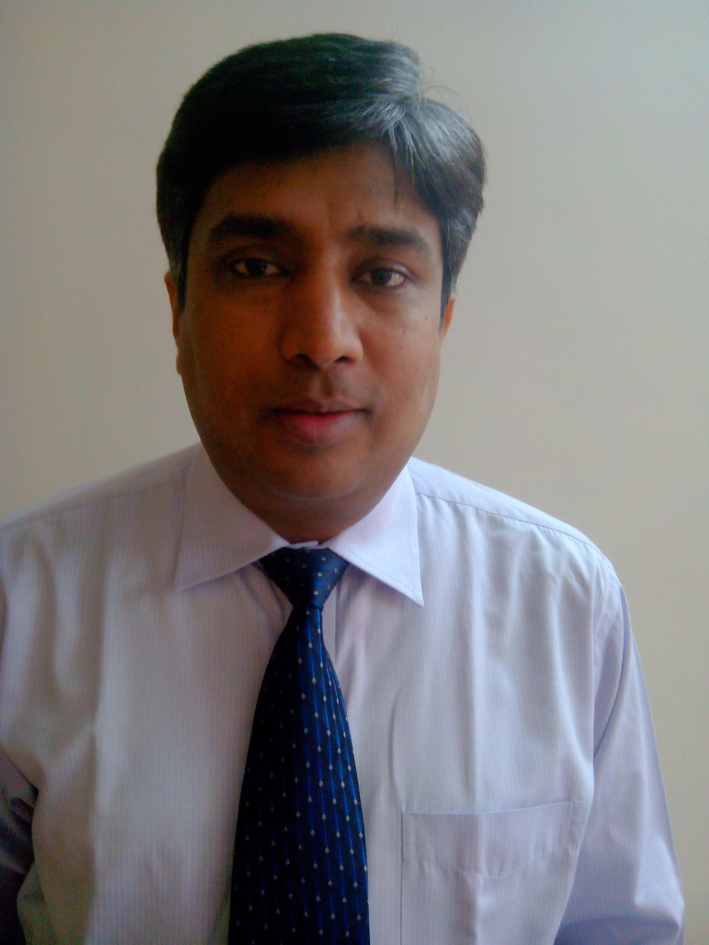 Dr. Dinesh Kasture - Orthopedist
