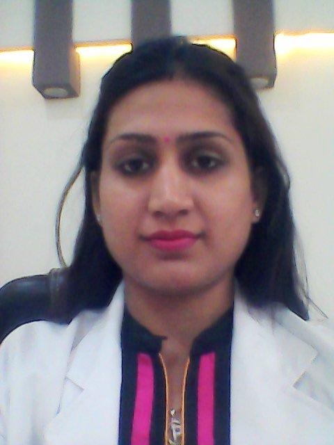 Dr. Parul Jain - Dentist