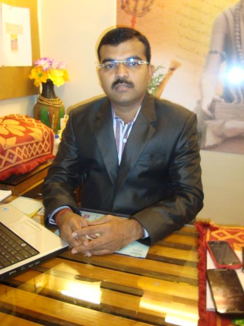 Dr. Kunal Kamthe - Ayurveda