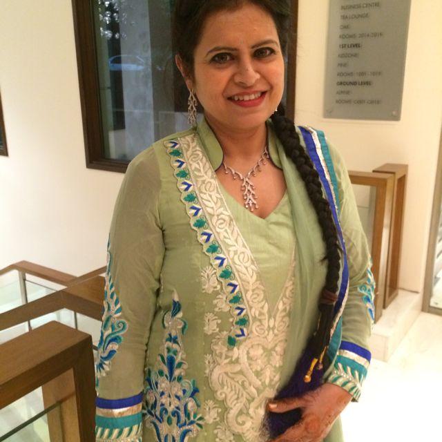 Dr. Sangeeta Nagpal - Dentist