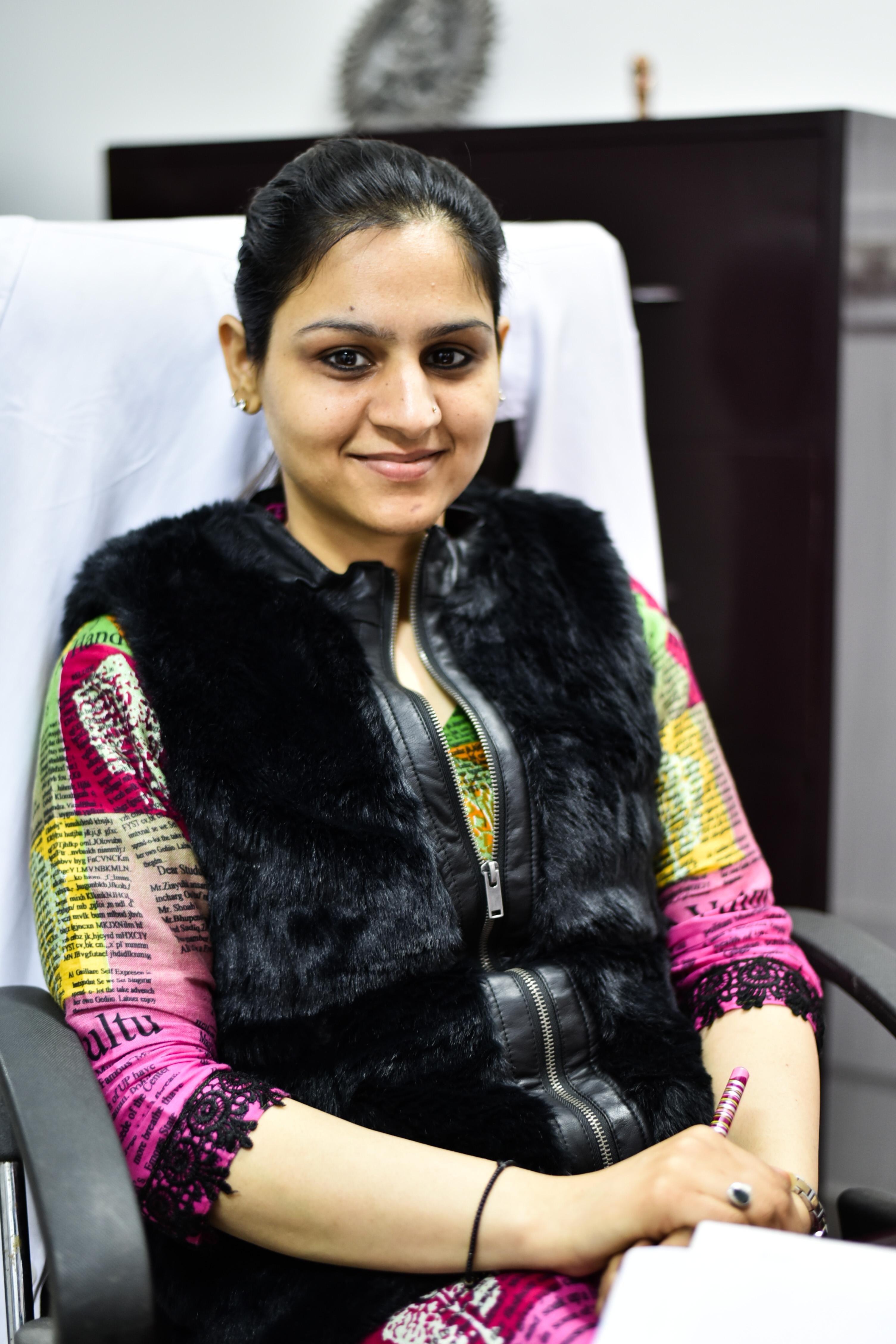 Dr. Kanika Manchanda - Dentist