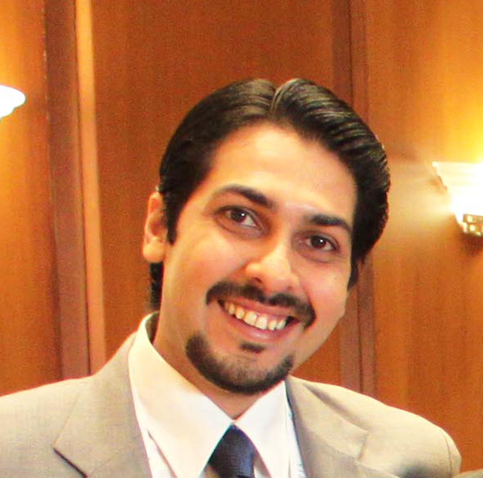 Dr. Rajat Kandhari - Dermatologist