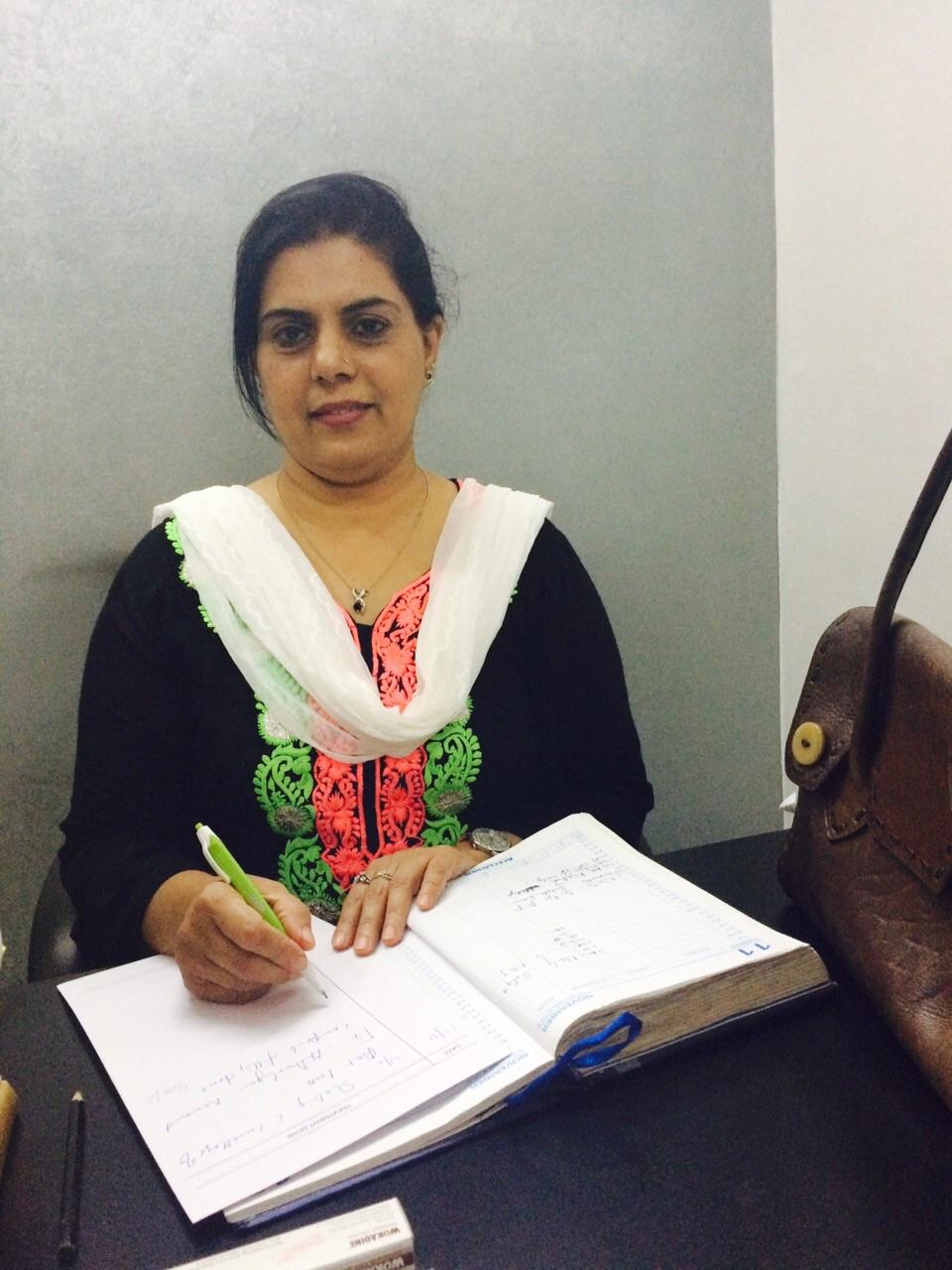 Dr. Rayeesa Saleem - Dentist