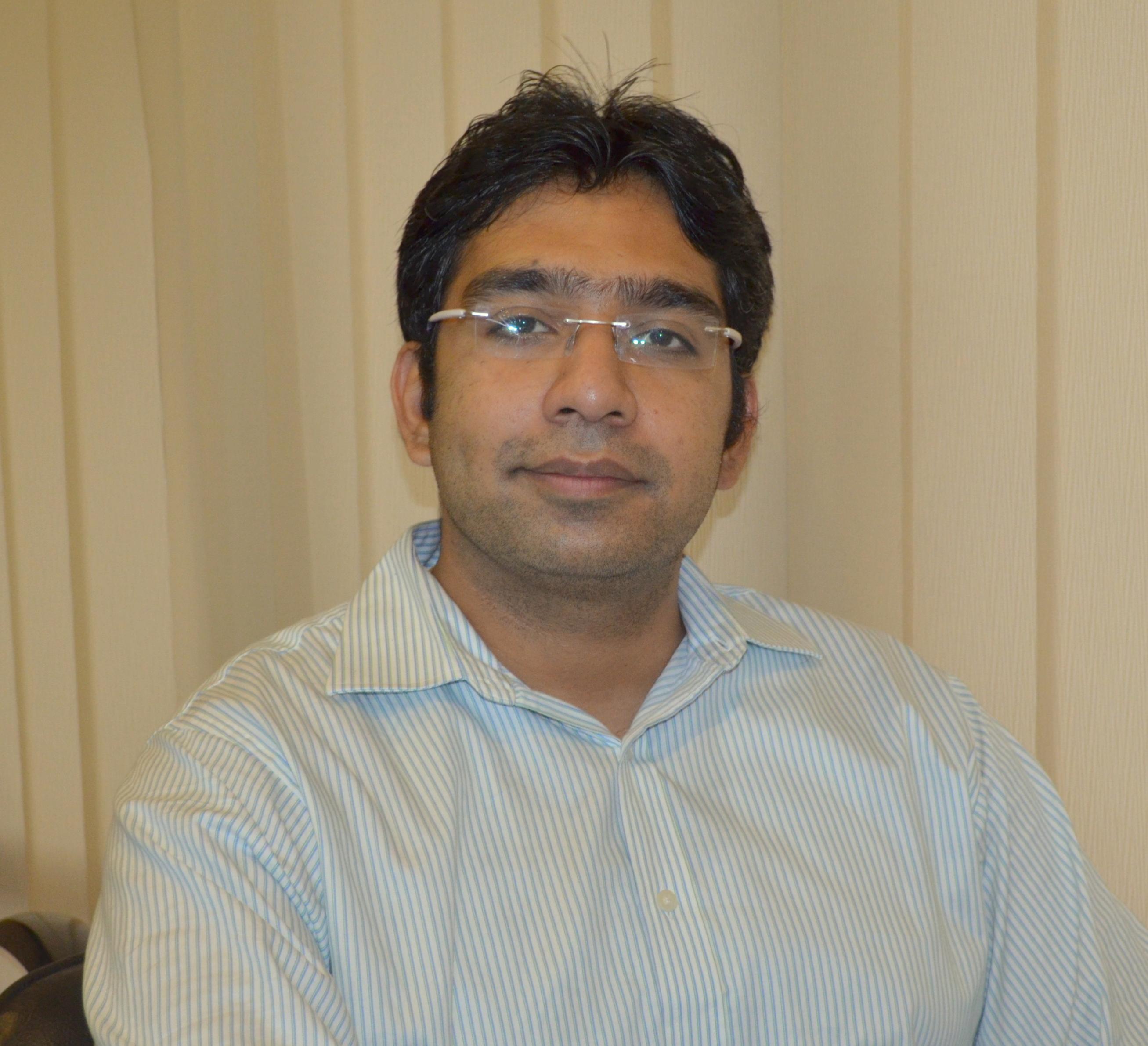 Dr. Achint Khullar - Dentist