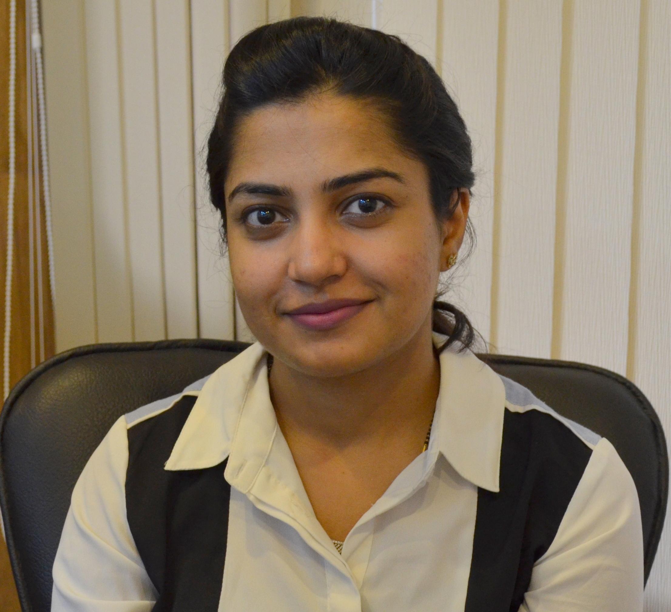 Dr. Sumedha Khullar - Dentist