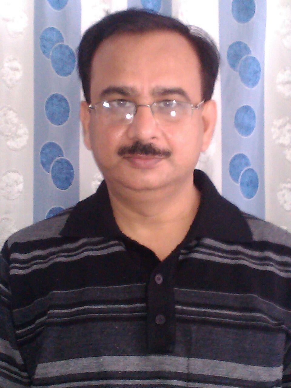 Dr. Sanjay Chawla - Dentist