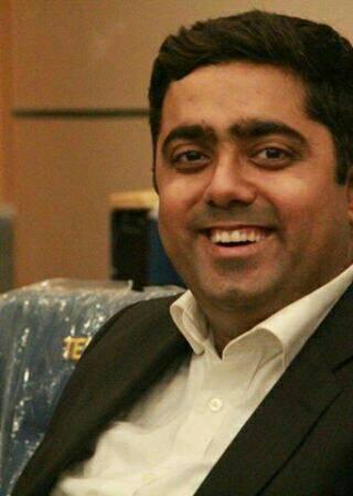 Dr. Amit Sadhwani - Dentist