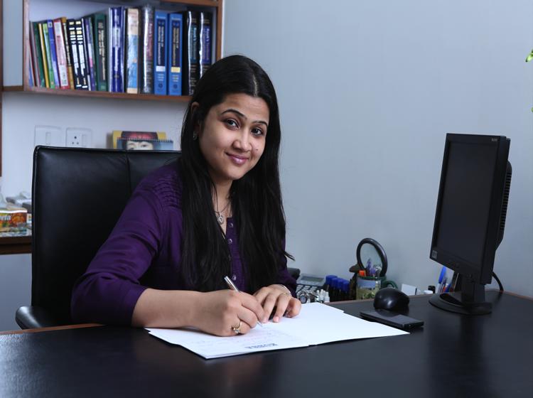 Dr. Tanvi Pal - Dermatologist