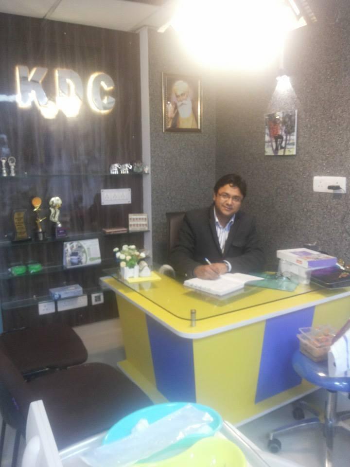 Dr. Manpreet Khurana - Dentist