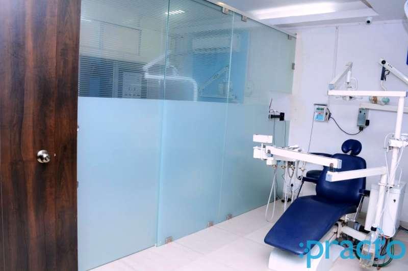Om Dental Care & Implant Centre - Image 5