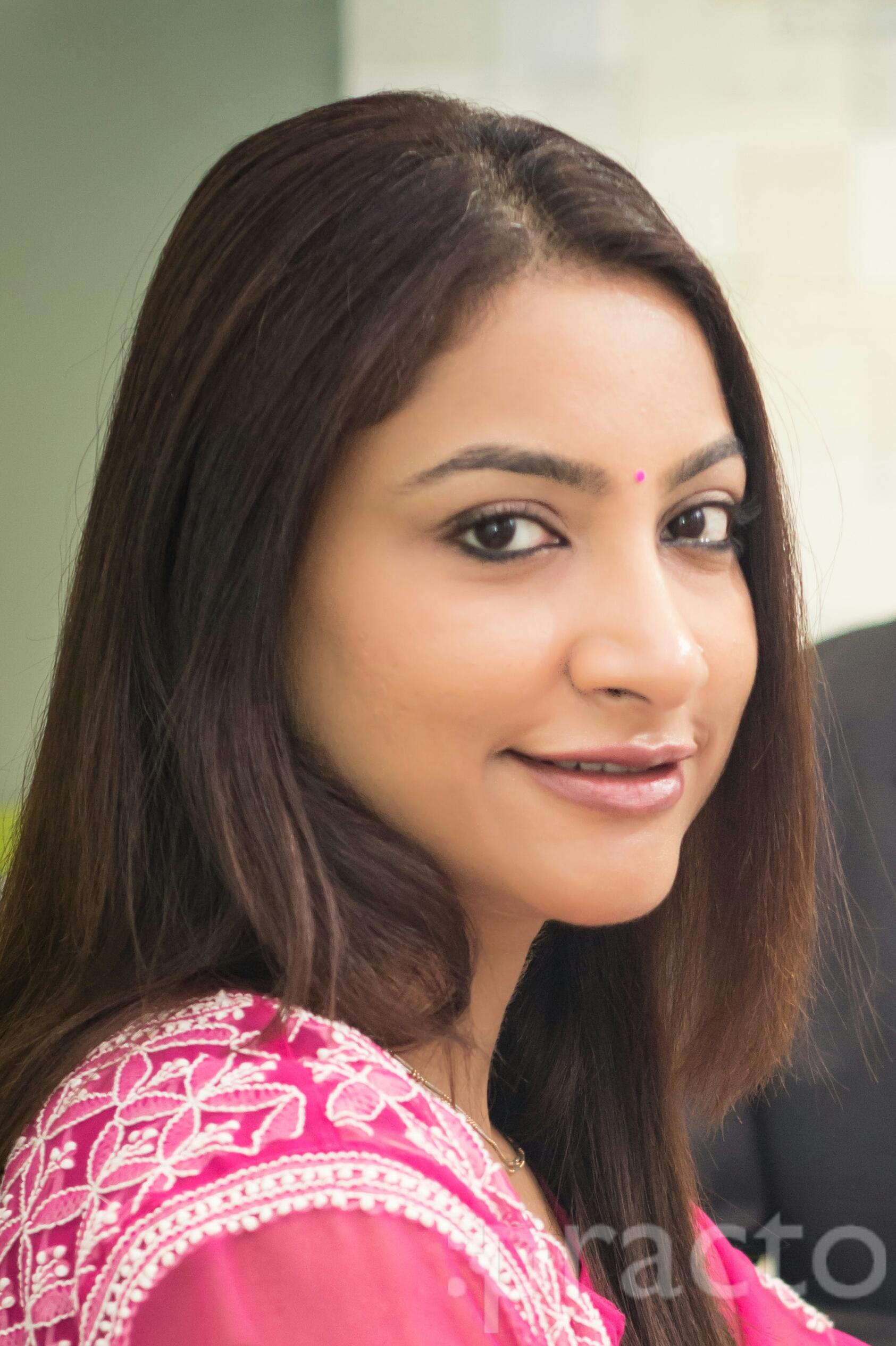 Dr. Priyanka Pal Mantri - Dermatologist