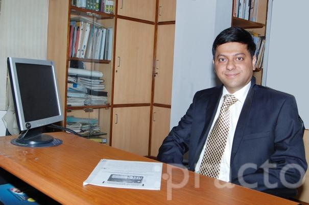 Dr. Sathish Prabhu - Ophthalmologist