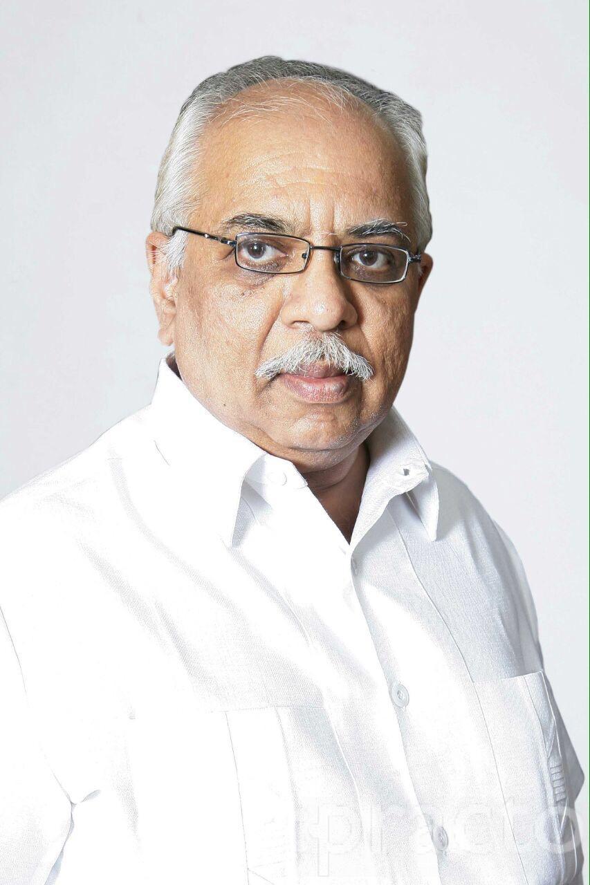 Dr. Veejay Deshpandey - Dentist