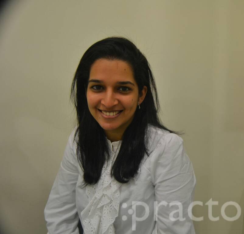 Dr. Akshi Gvalani - Dentist