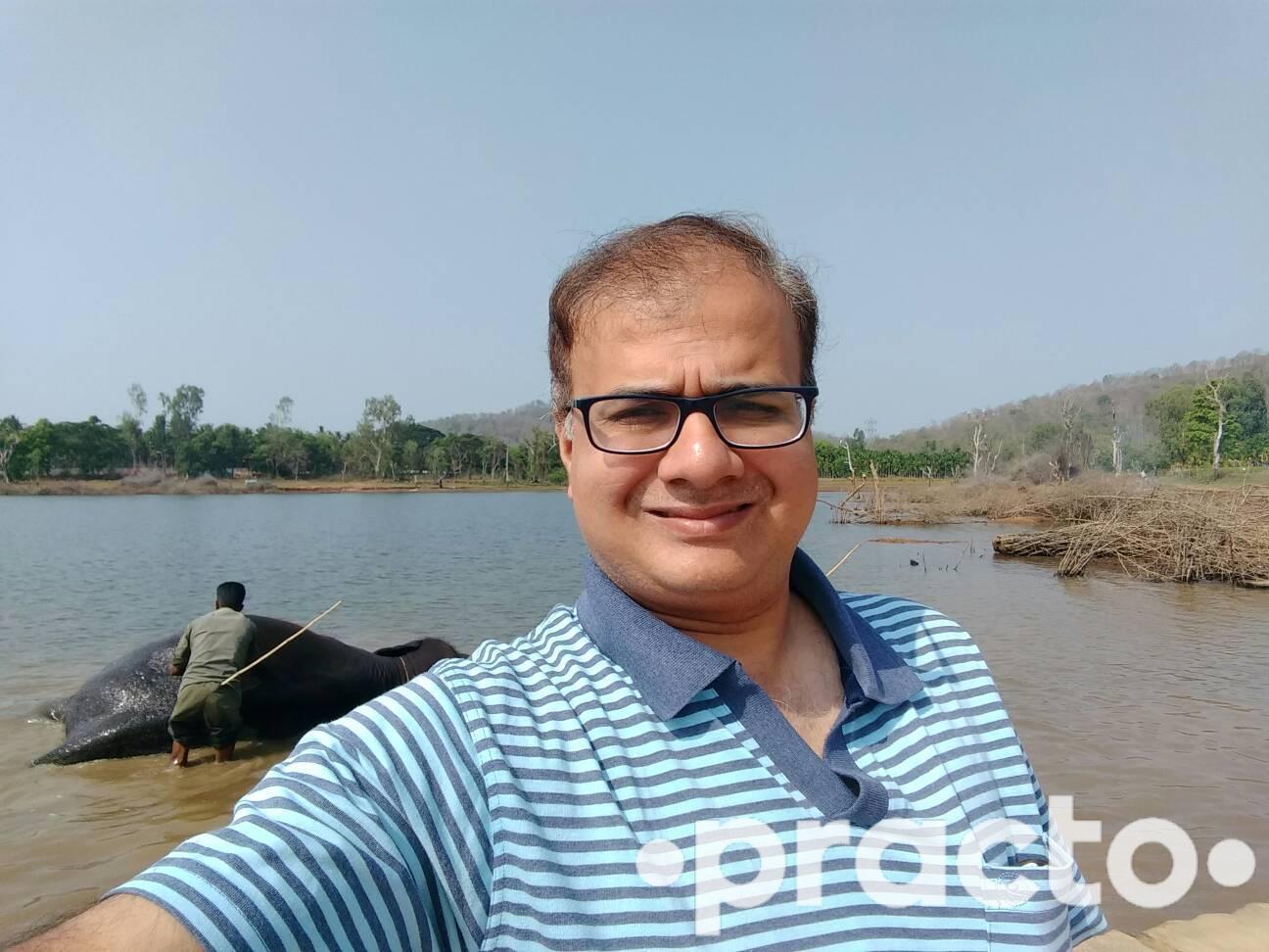 Dr. Vinit Swami - Dentist