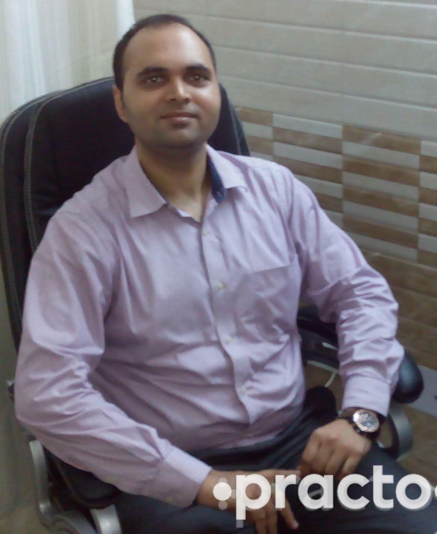 Dr. Varun Tyagi - Dermatologist