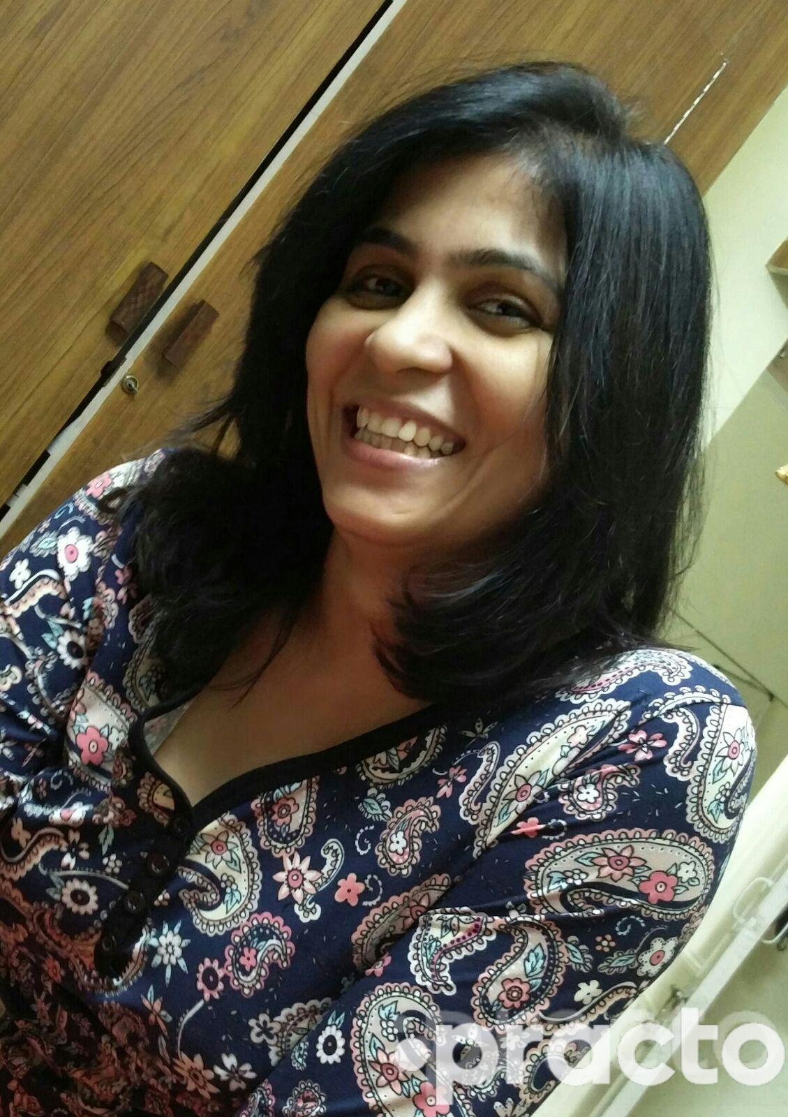 Dr. Ruchi S Mutneja - Dermatologist
