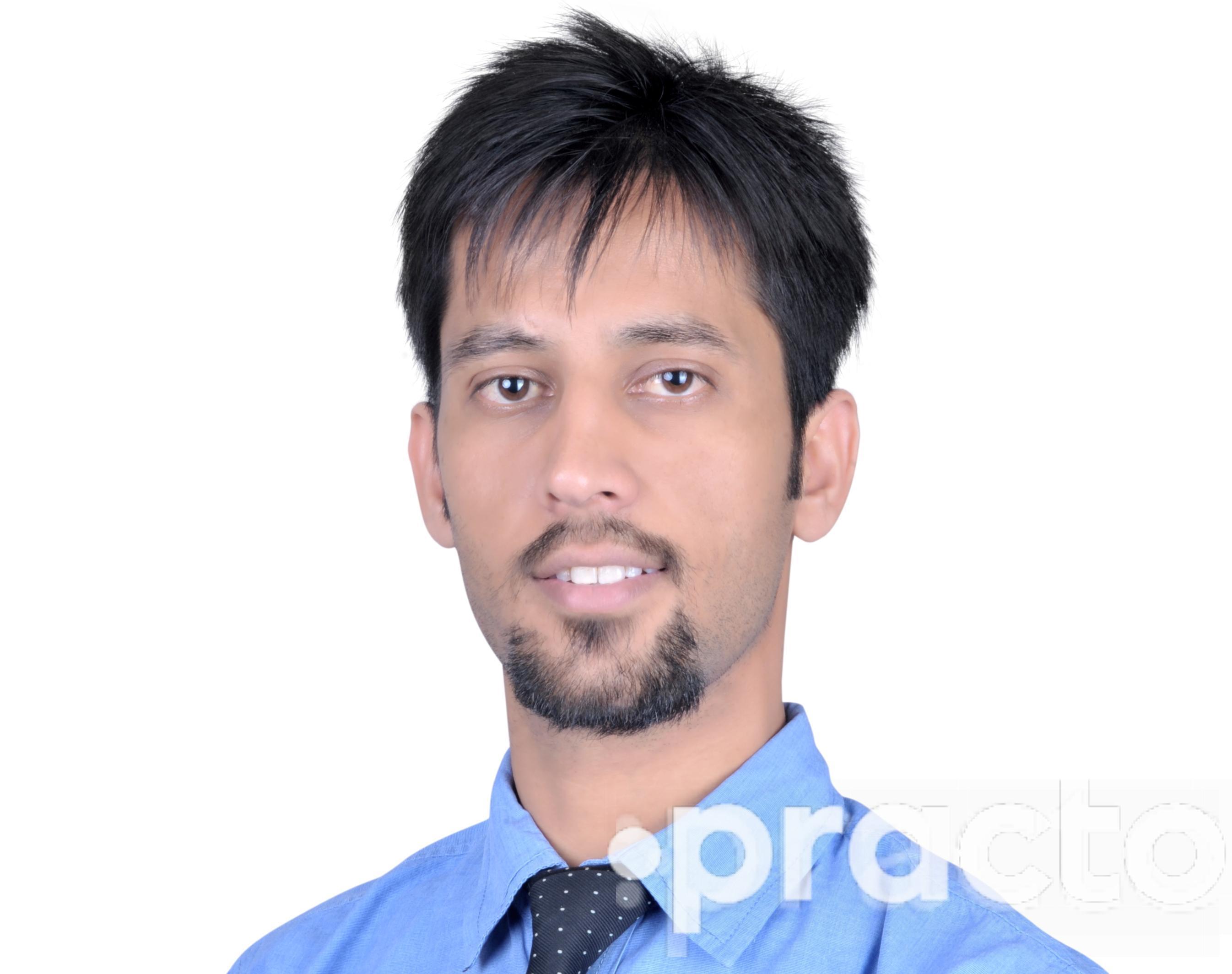 Dr. Himanshu Kumawat - Dentist