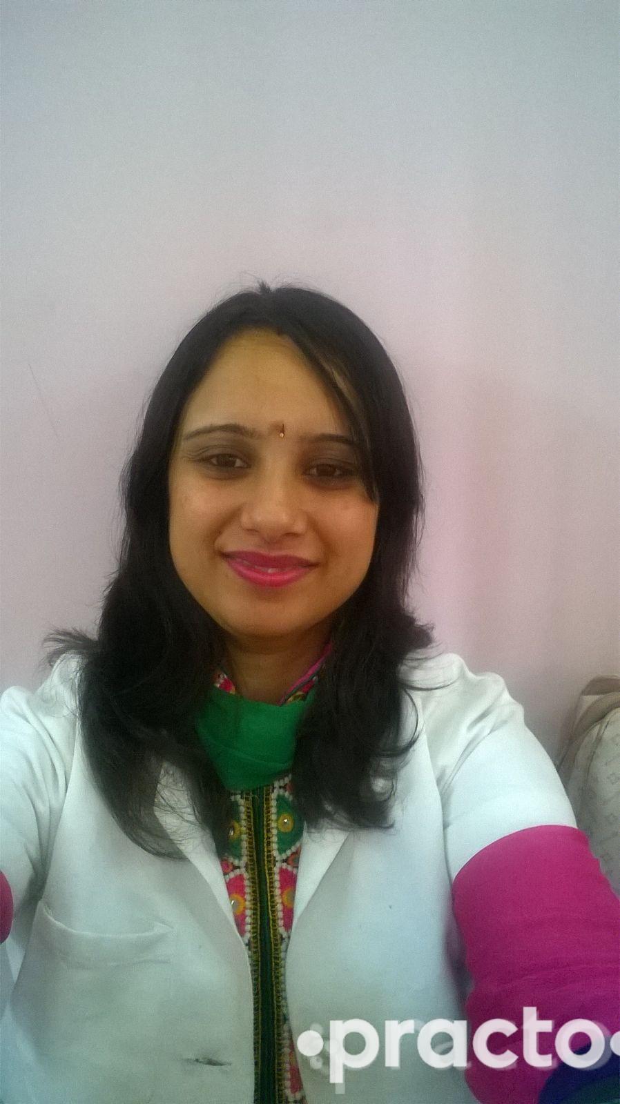 Dr. Vaishali Aggarwal - Dentist