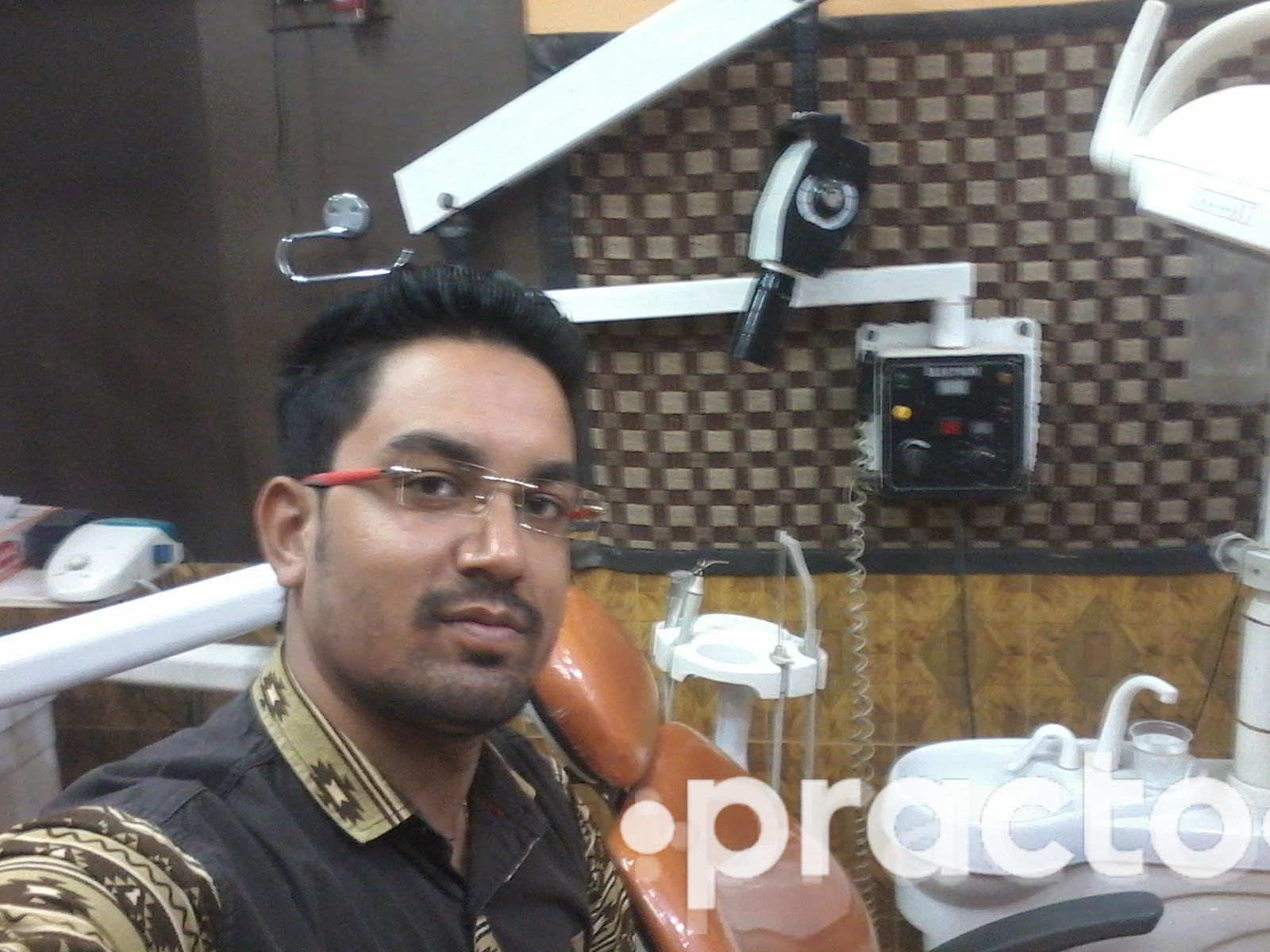 Dr. Prateek Goyal - Dentist