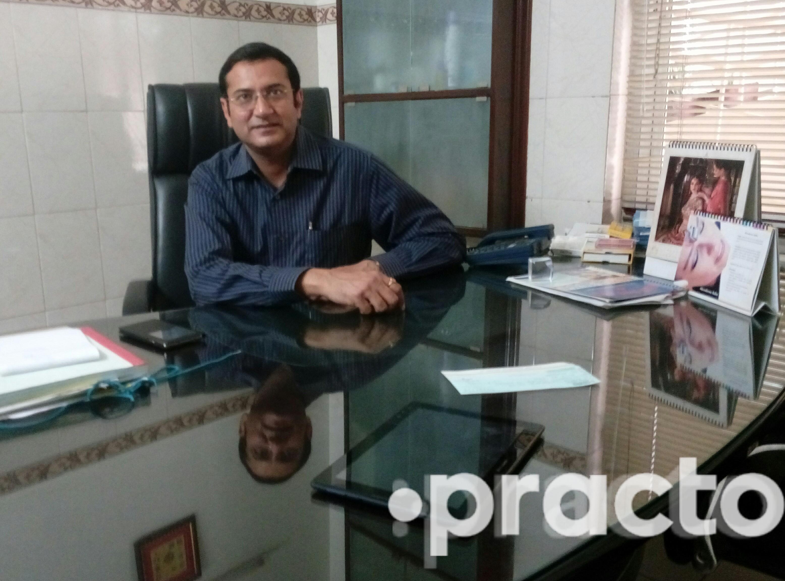 Dr. Akshat Nayyar - Plastic Surgeon