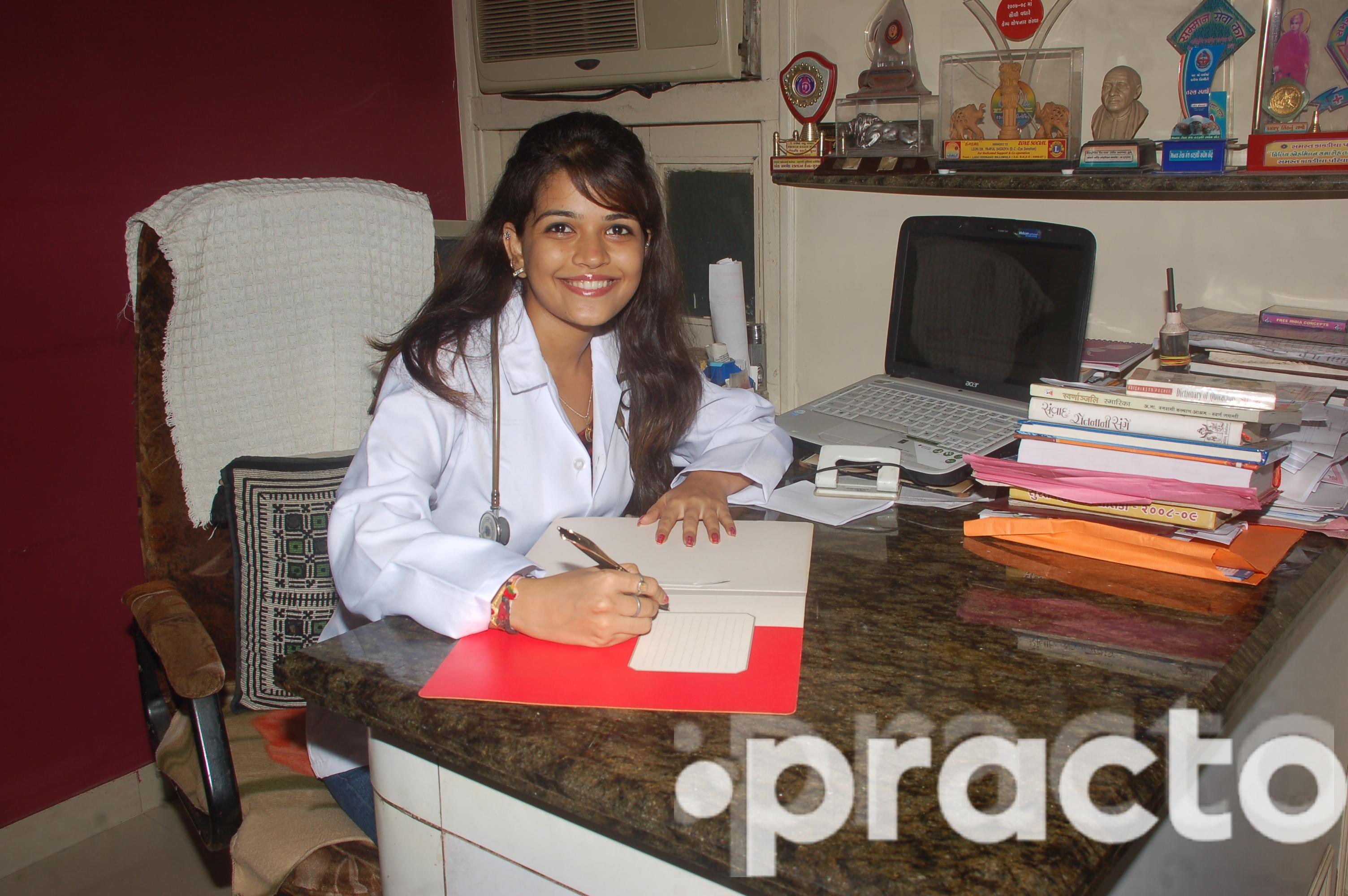Dr. Komal Shiroya - Dentist