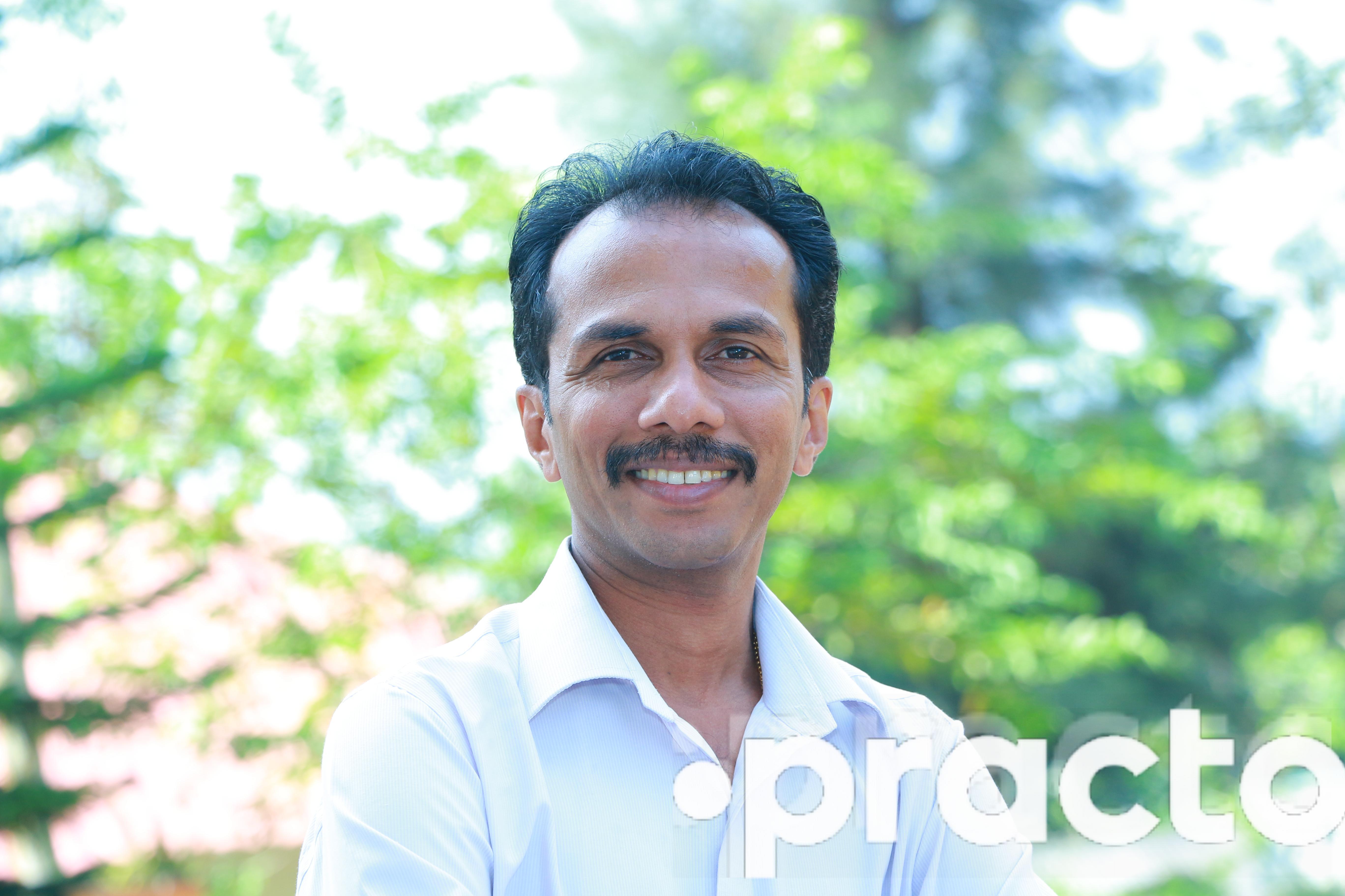 Dr. Vinod Kumar - Dentist