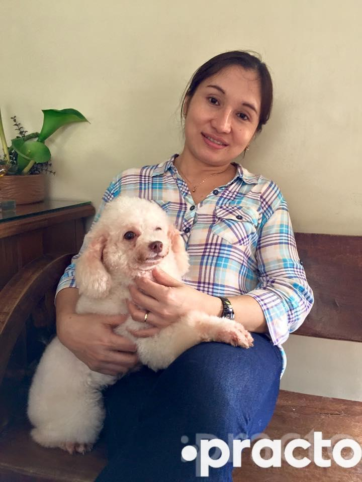 Dr. Leonora Evangelista - Veterinary Surgeon