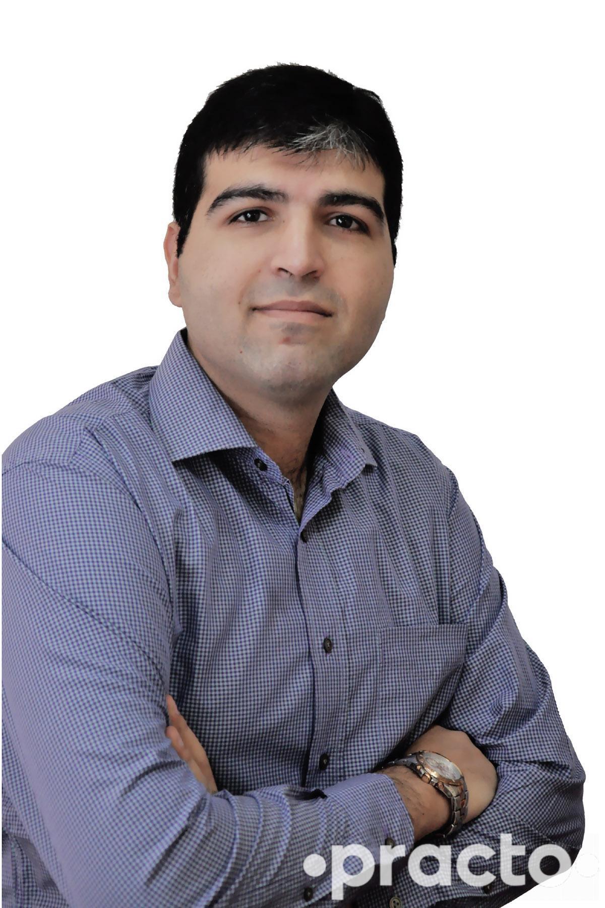 Dr. Varun Gogia - Ophthalmologist