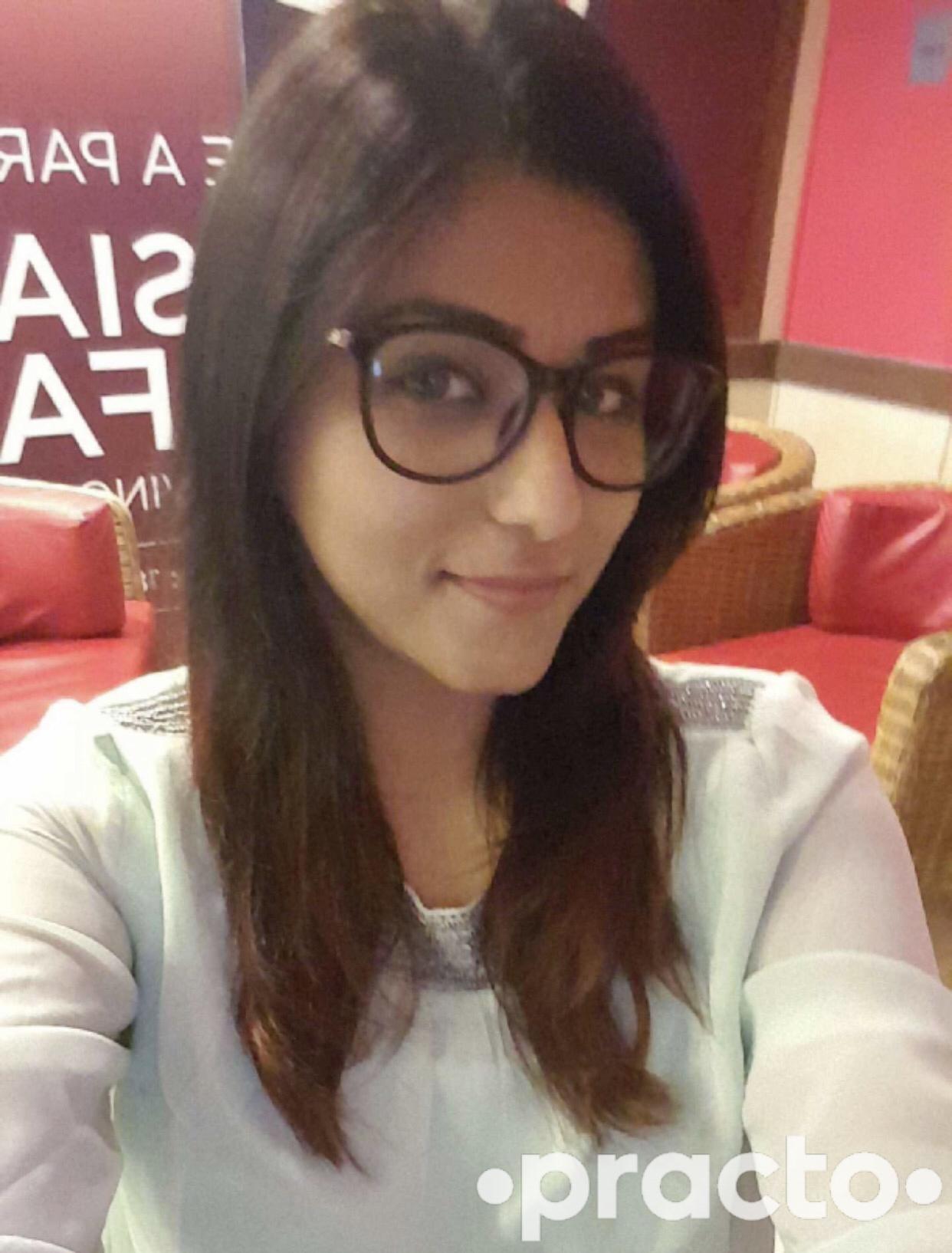 Dr. Swati Narang - Dentist