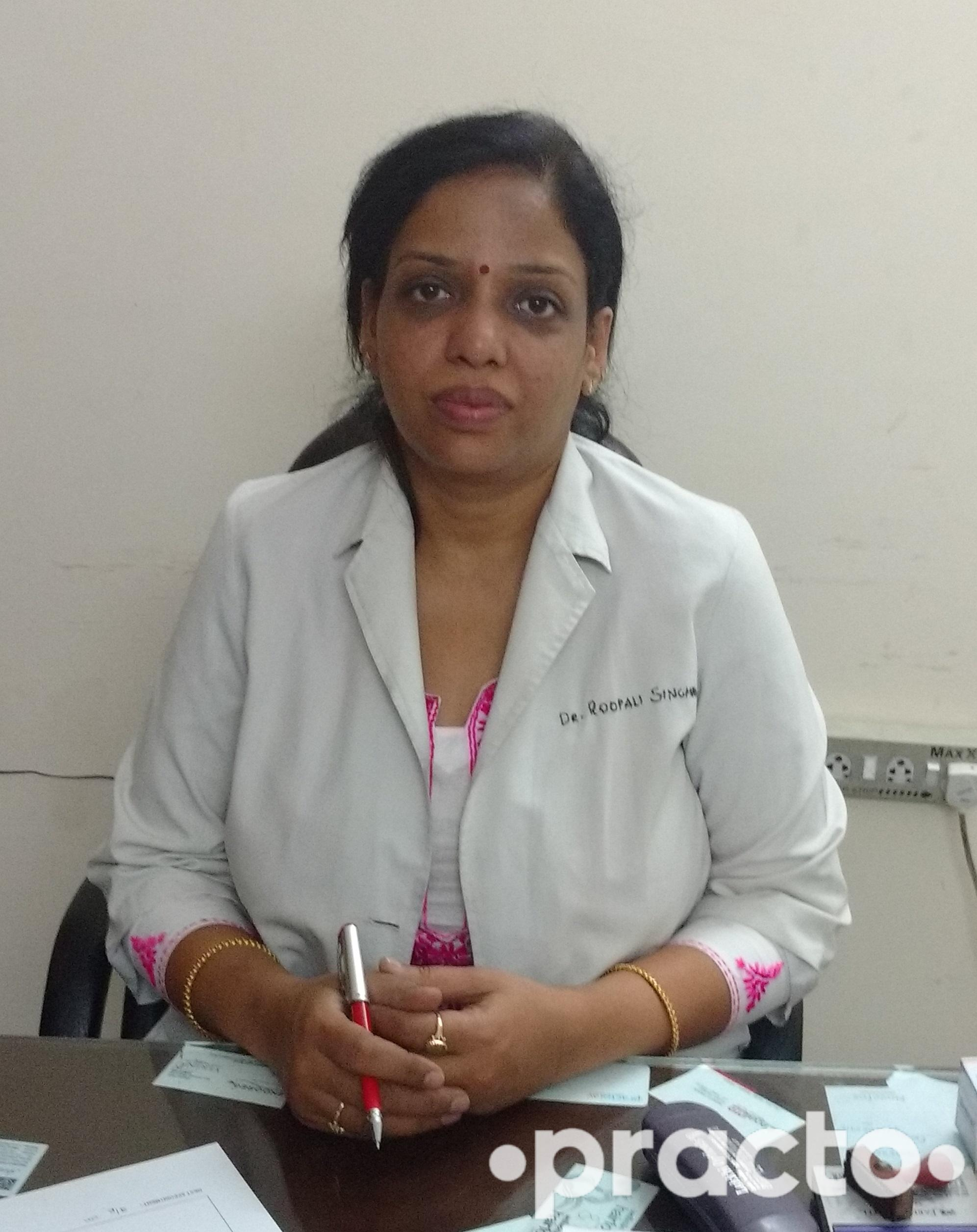 Dr. Roopali Singhal - Gynecologist/Obstetrician