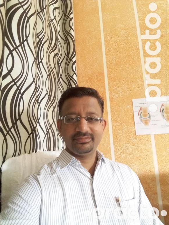 Dr. Dixit N Vasani (PT)