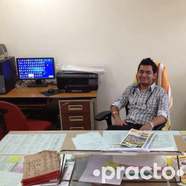 Dr. Varun Khullar