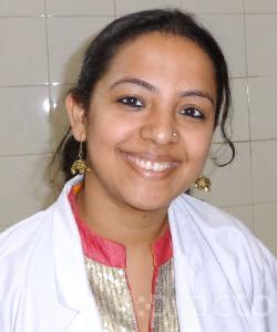 Dr. Aastha Sachdeva - Dentist