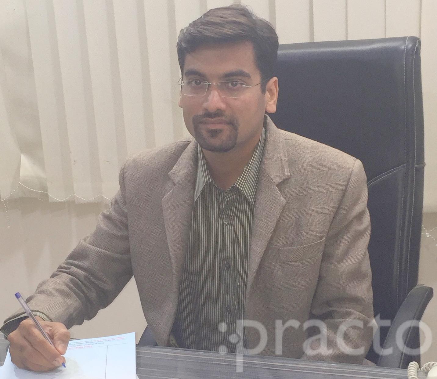Dr. Abhishek Kalantri - Orthopedist