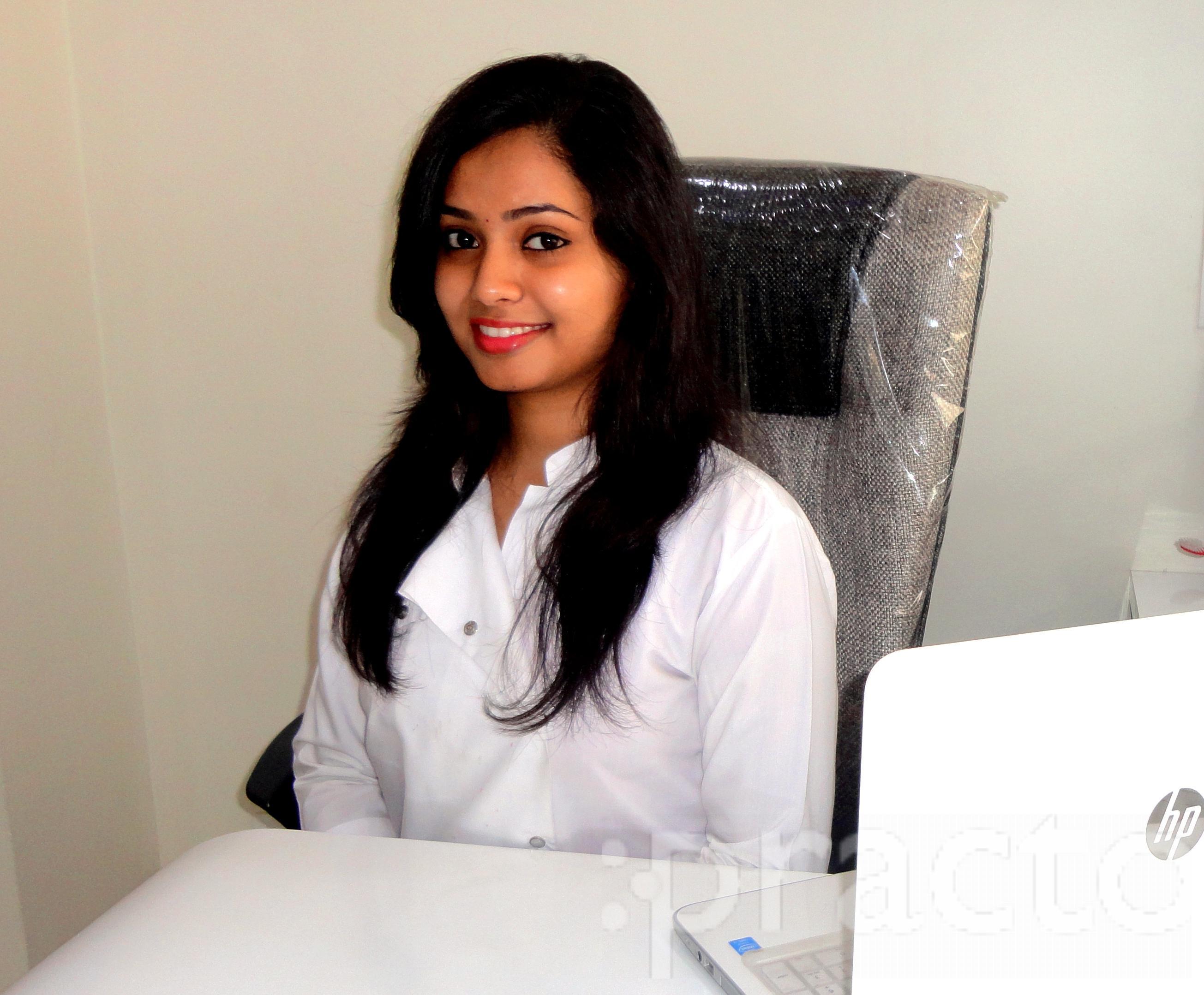 Dr. Akshada Pansare - Dentist