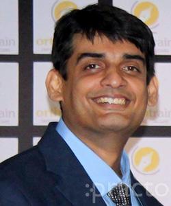 Dr. Akshay Rathi - Dentist