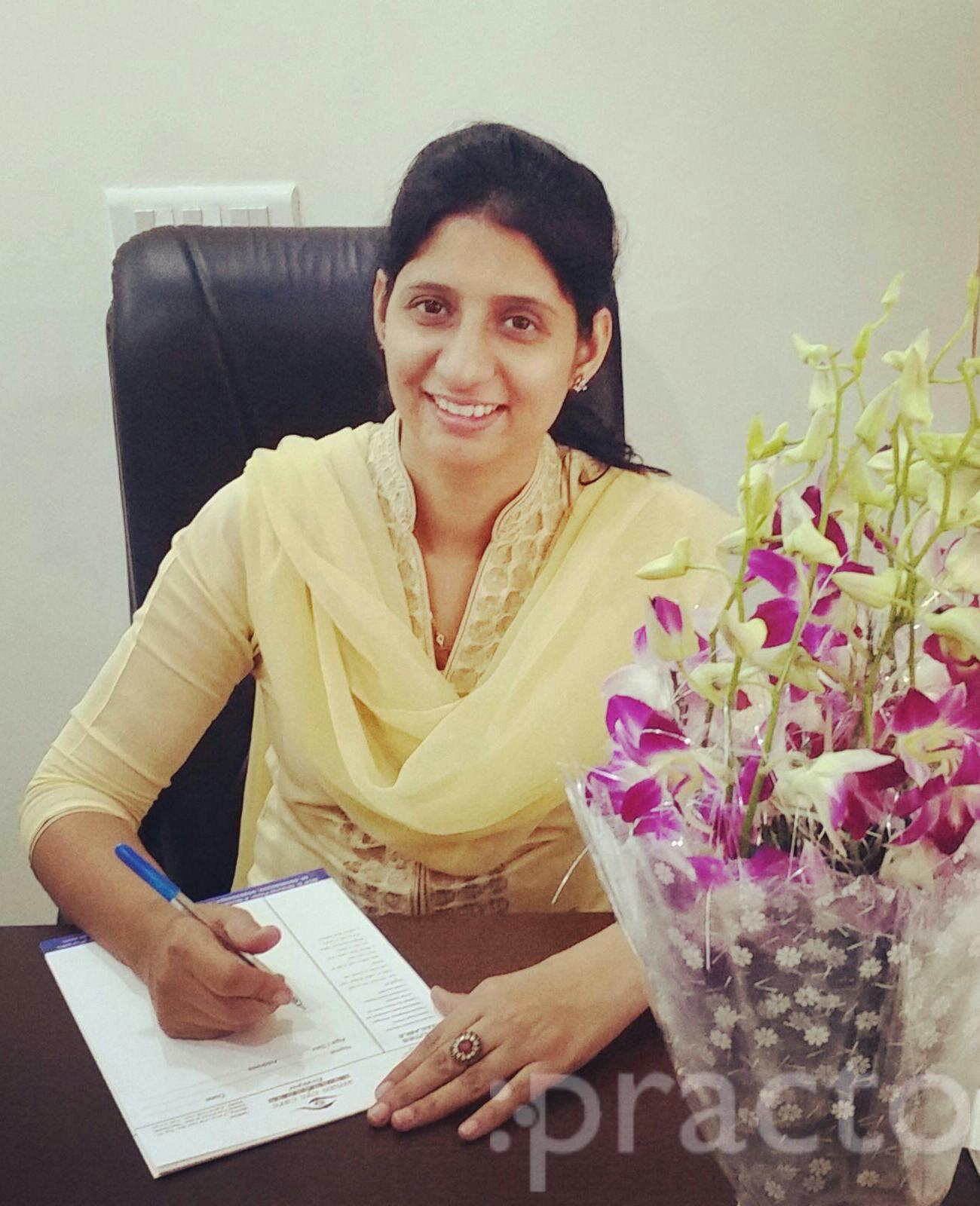 Dr. Amandeep Kaur Sangha - Ophthalmologist