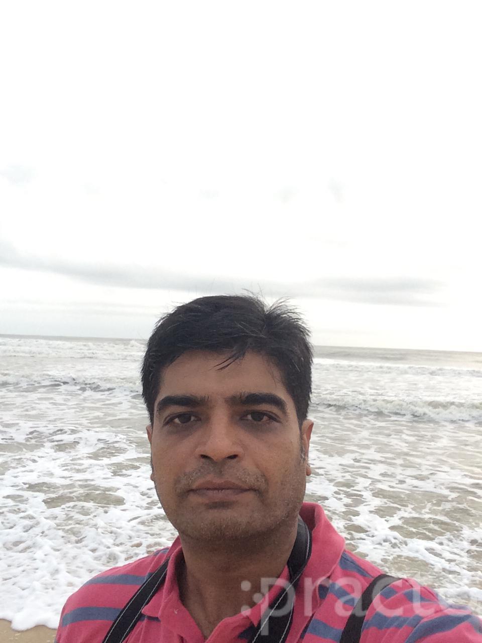 Dr. Amit Thakkar - Dentist