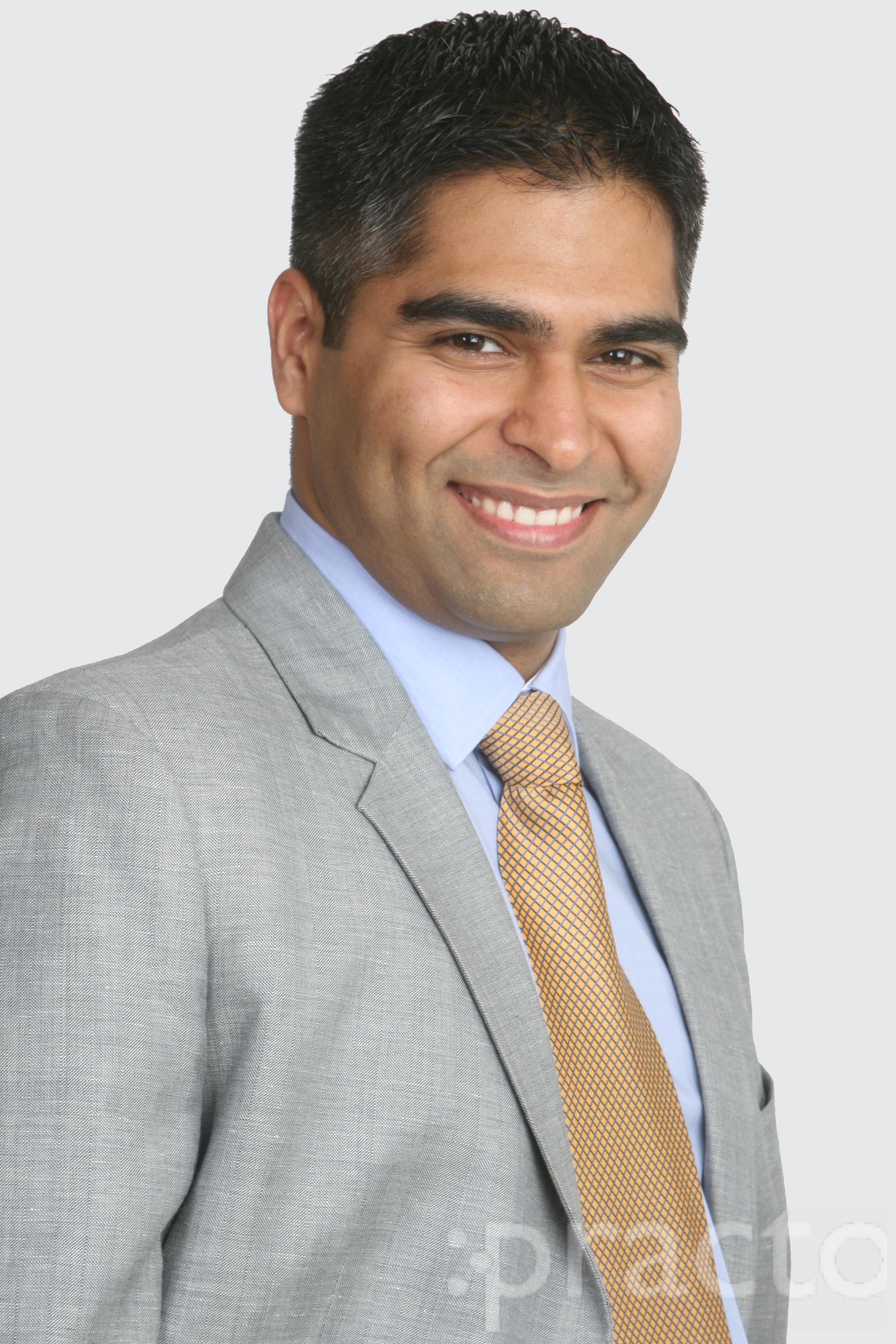 Dr. Anuj Aggarwal - Dentist