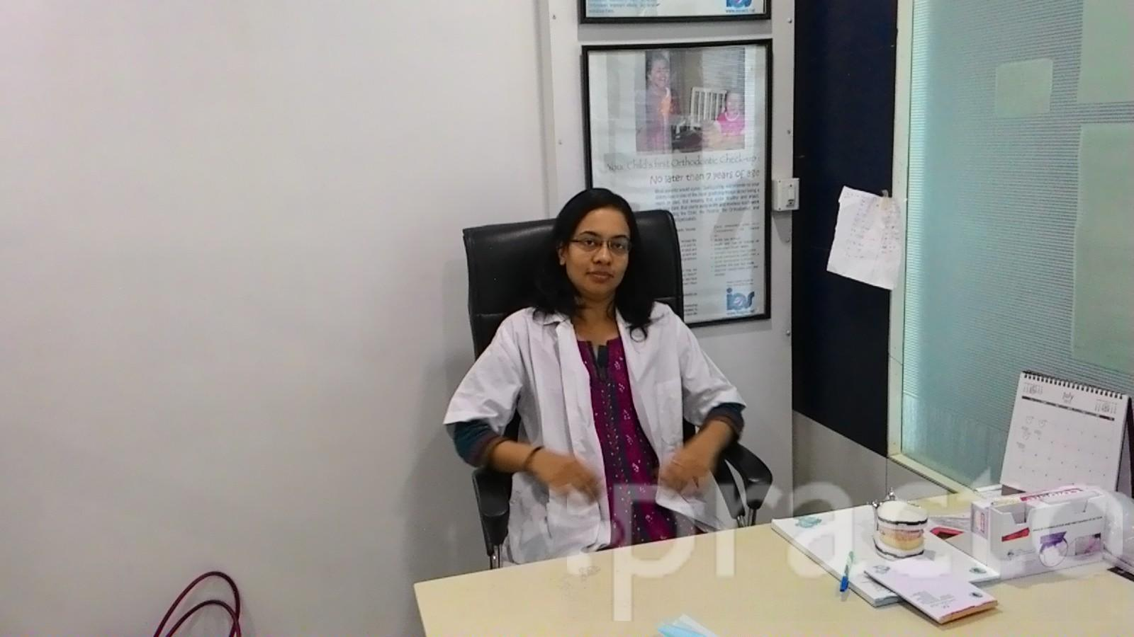 Dr. Apoorva valia - Dentist