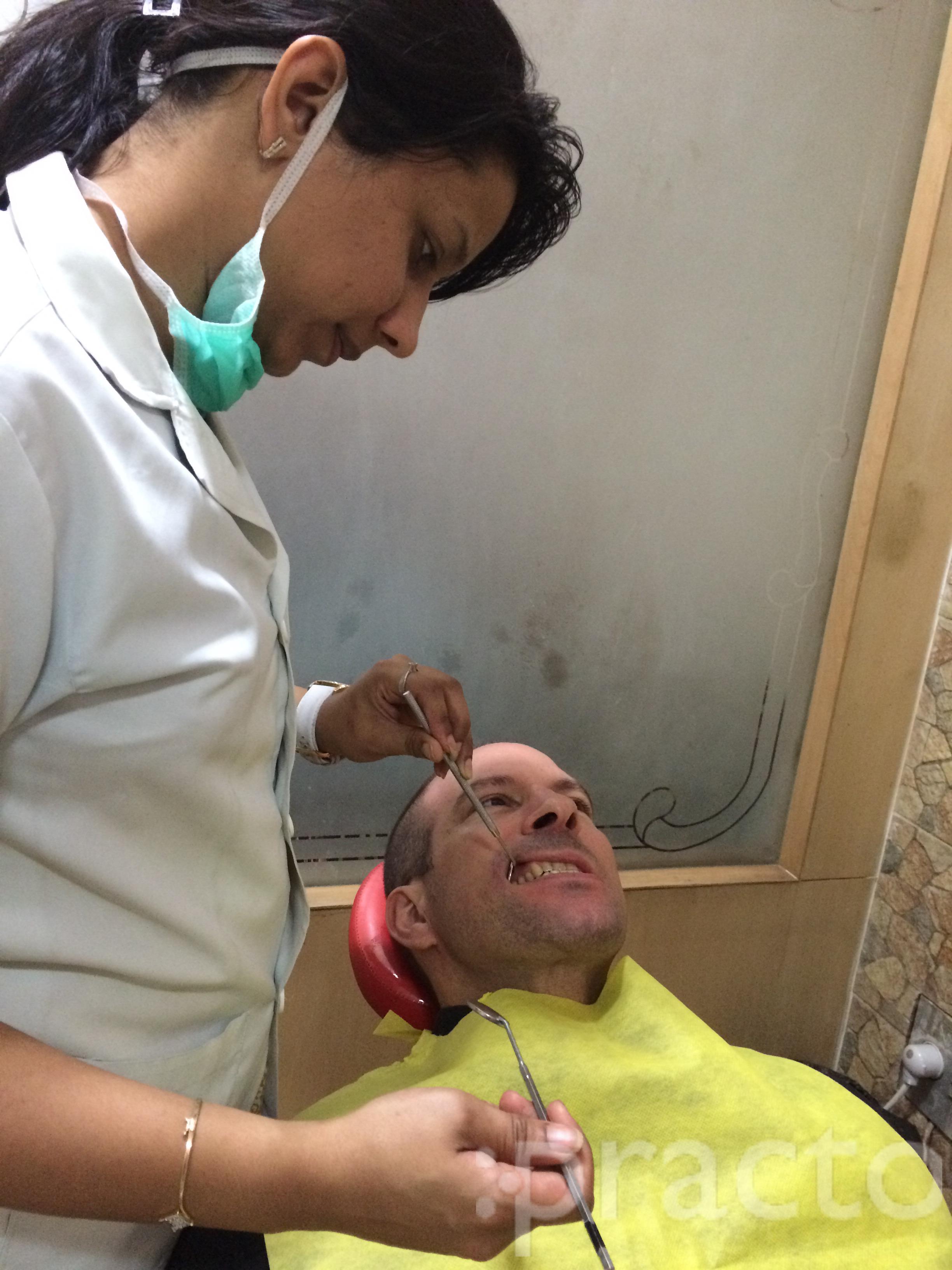 Dr. Archana bansal - Dentist