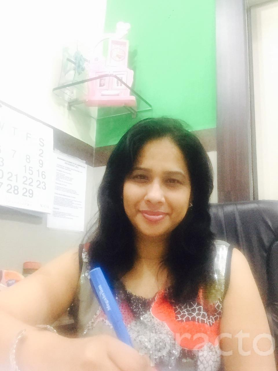 Dr. Archana Chowdhry - Ophthalmologist