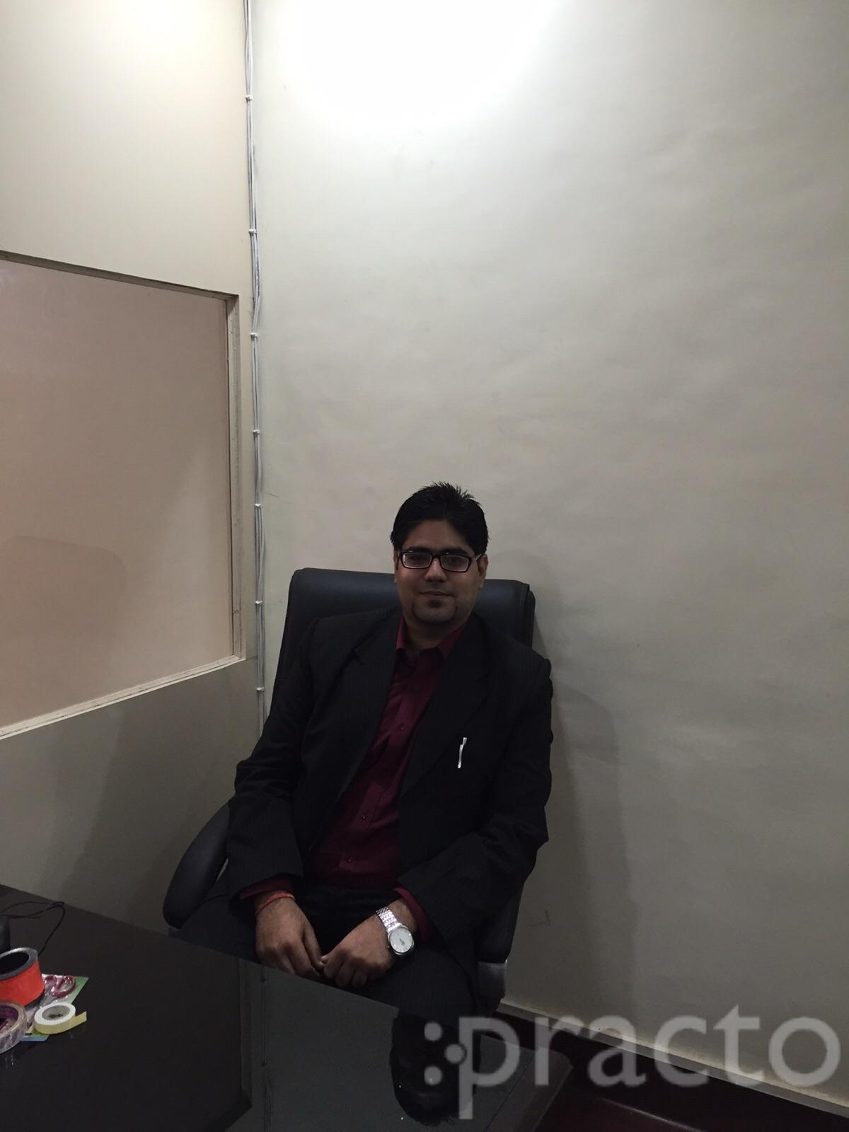 Dr. Arppit Chopra - Dentist