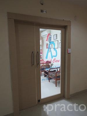 Dr. Ashneet Bhatia - Dentist