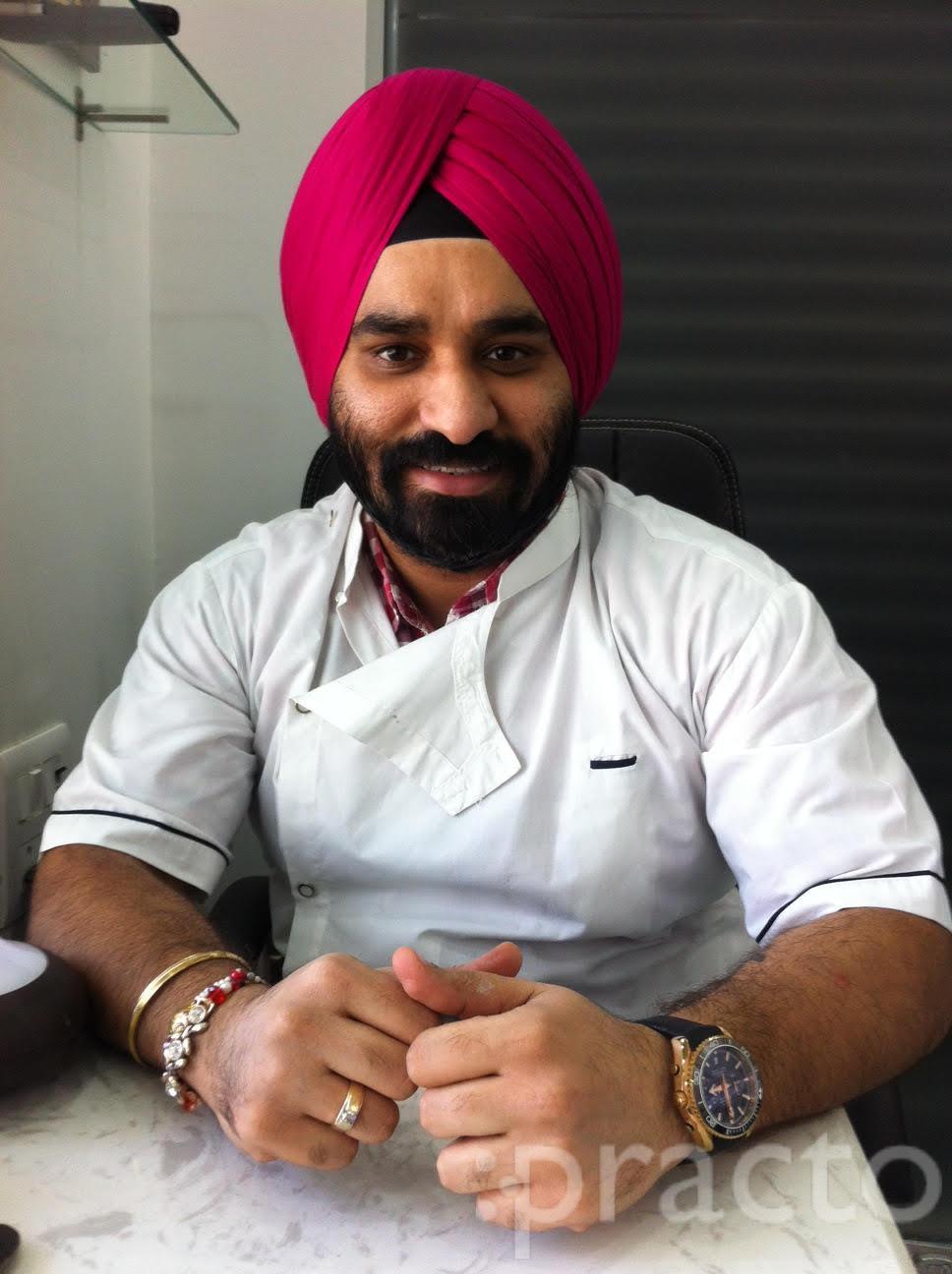 Dr. Avneet Singh Chopra - Dentist